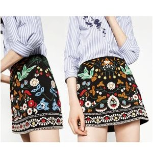 Zara Size S Embroidered Mini SKirt